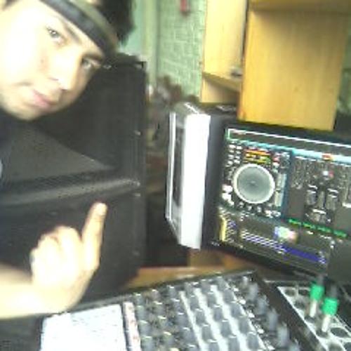 DJ LUIGUI- Cix's avatar