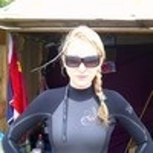 Lucille Blake's avatar