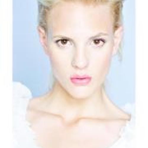 Gabriela Pires 5's avatar