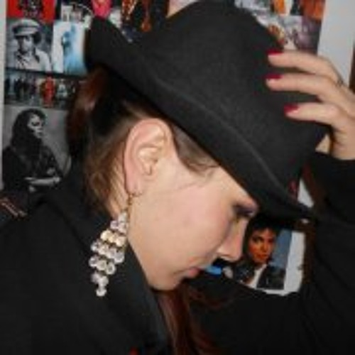 Giulia Dumitriu's avatar