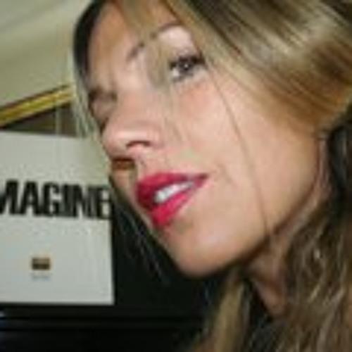 Yvette Leihgeber's avatar