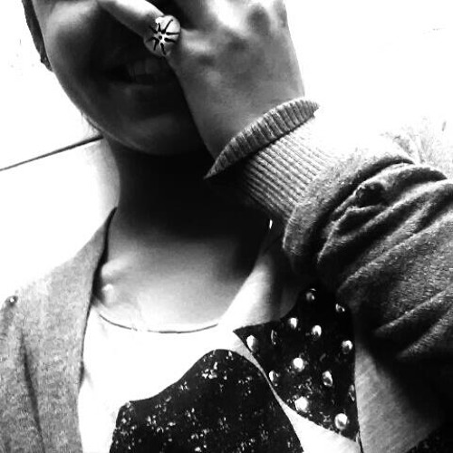 Niki_<3's avatar