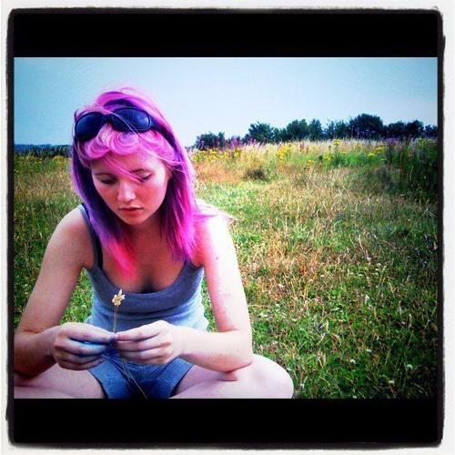 Suzy Fox's avatar