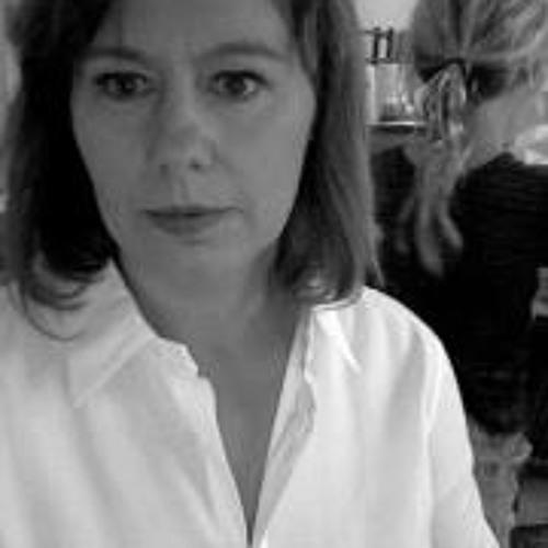Melinda Moir's avatar