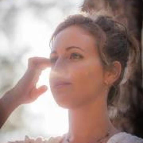 Naomi Papo's avatar