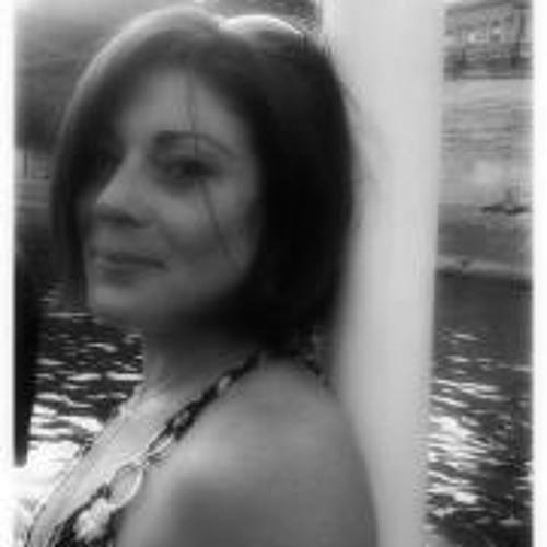 Celine Cipolat's avatar