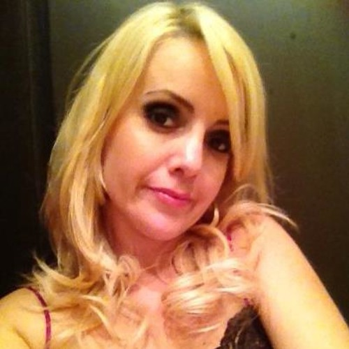 Veronica music's avatar