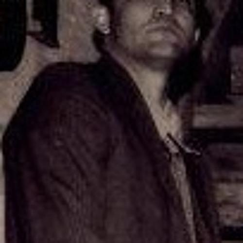 Adriano Rocha's avatar