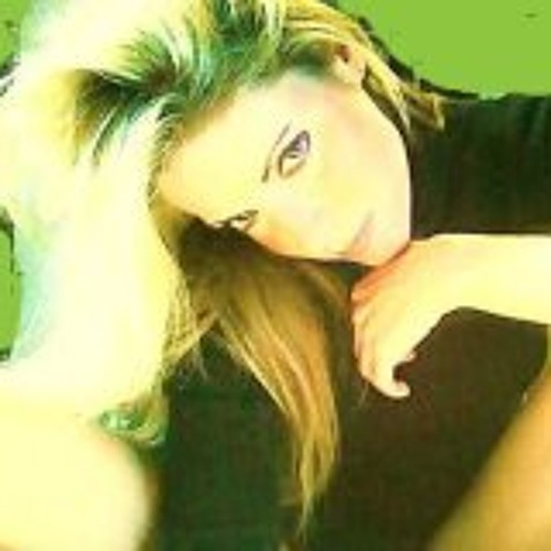 Suzanne Valle's avatar