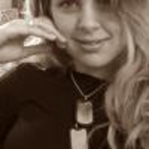 Carolline Stefano's avatar