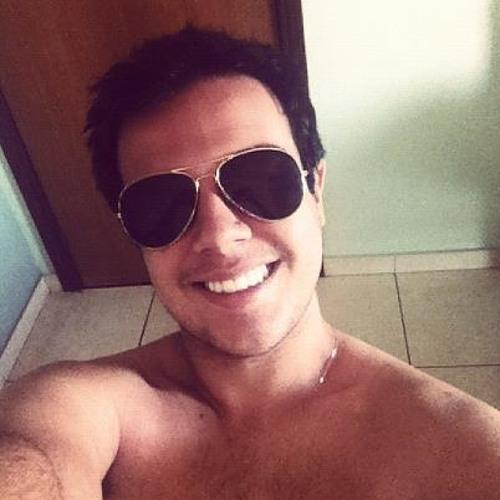Vitor Quintino's avatar