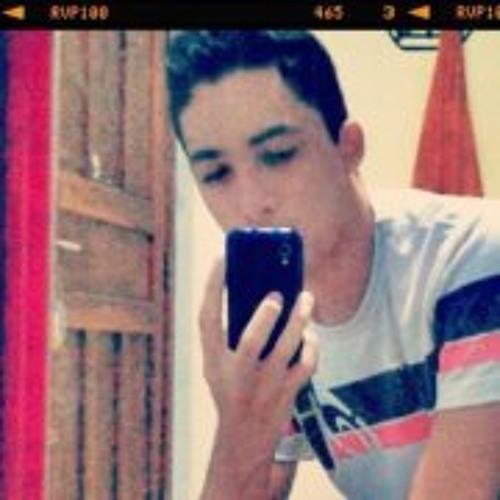 Adam Oliveira Carvalho's avatar
