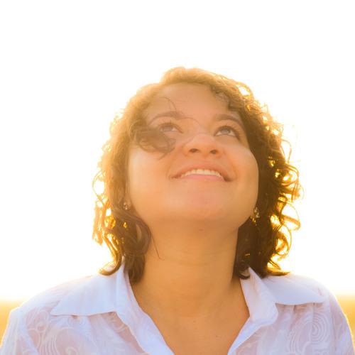 Nicole Pinheiro's avatar
