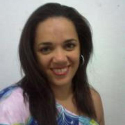 Monique Cabral 2's avatar