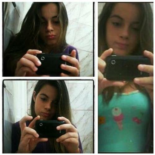 Júlia Abreu #'s avatar