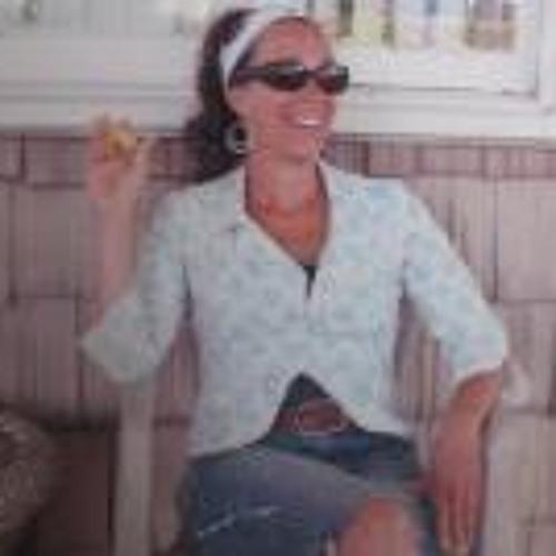 Holly St Lifer's avatar