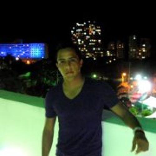 Luis Molina 28's avatar