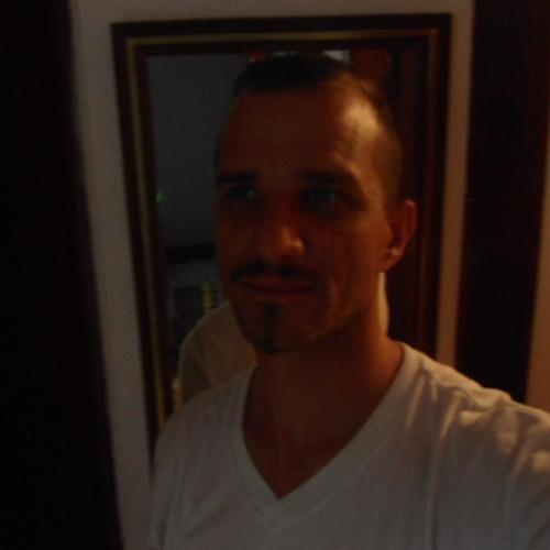 Luciano Turquetti's avatar