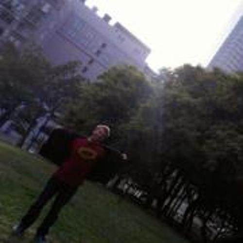 Ethan Sarti's avatar