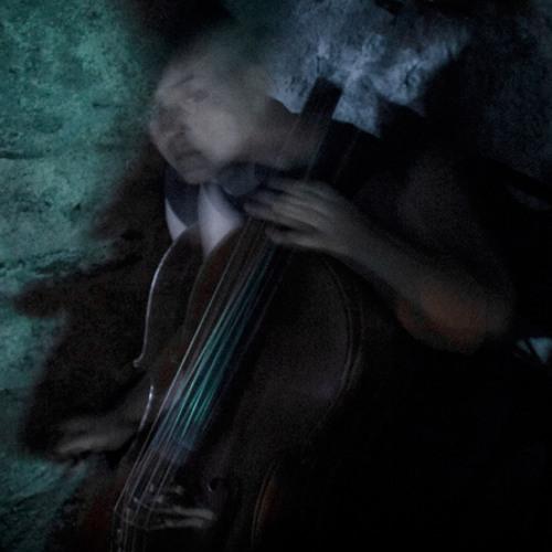 Laura Cetilia's avatar