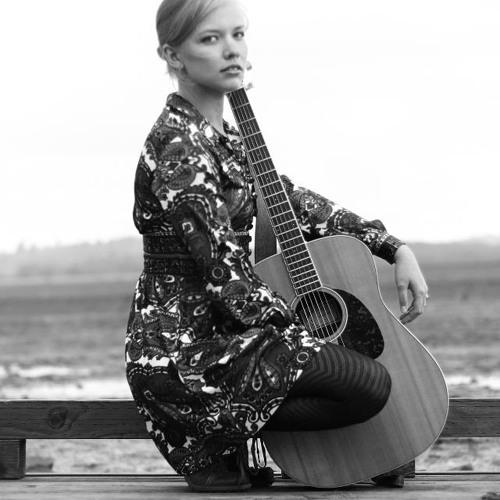 Music by Caroline's avatar