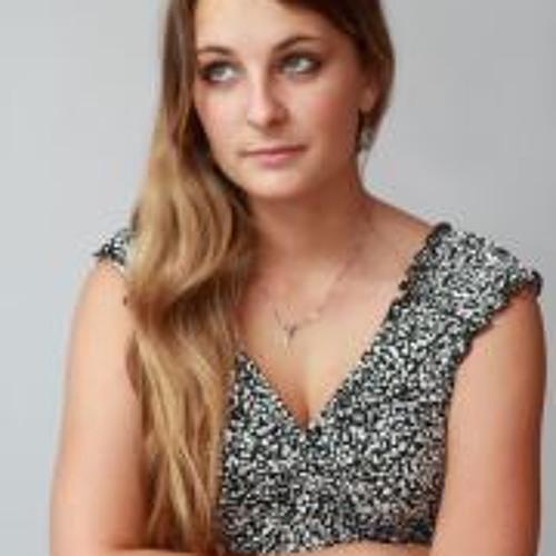 Chloe Couderaie's avatar