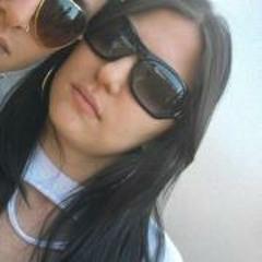 Larissa Alves 28