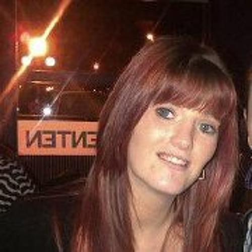 blue eye girl's avatar