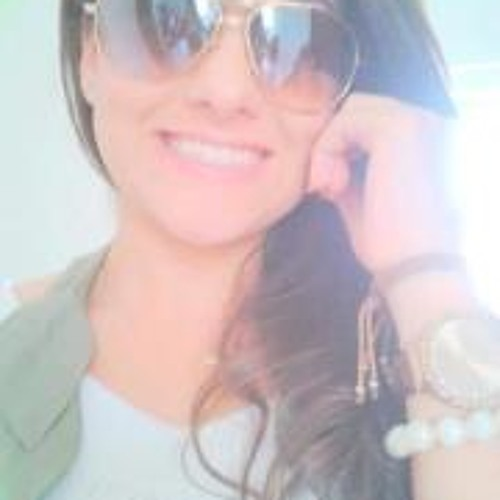 Carolina Naves Ribeiro's avatar