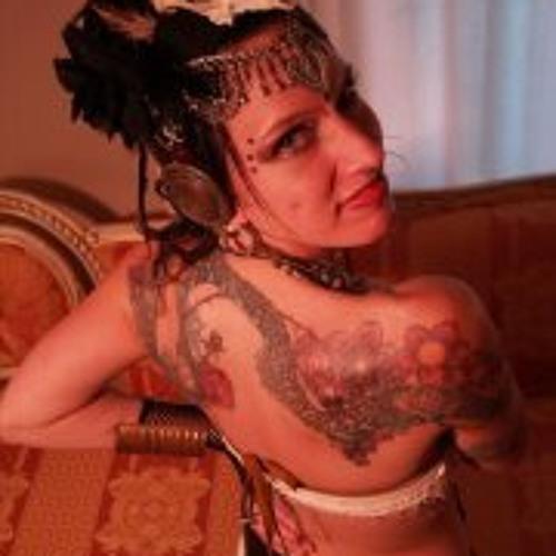 Caroline Ouellette's avatar