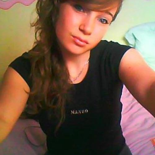 Julia Tb's avatar