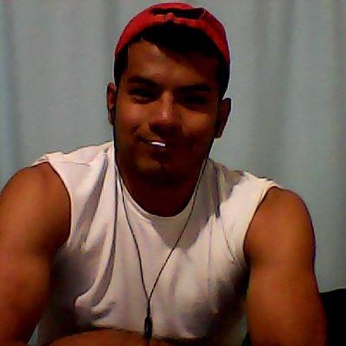 Yamil Vargas's avatar
