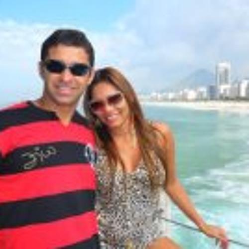 Daniela S. Castilho's avatar