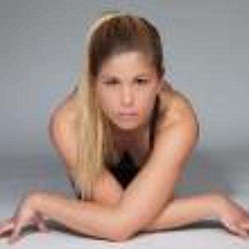 Gabriela Pamias's avatar