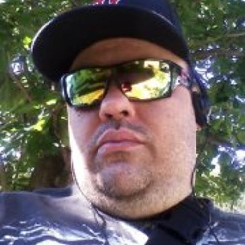Michael Santiago 14's avatar