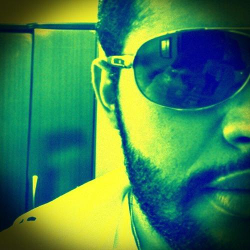 Luiz Felipe Fonseca's avatar