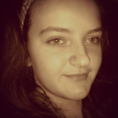 LauraParalangaj's avatar
