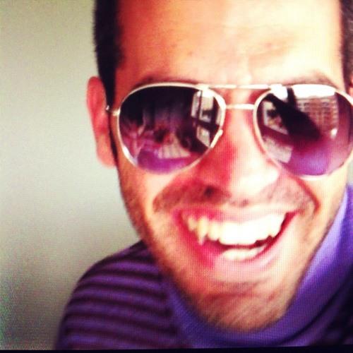 Carlos M Ro-Fer's avatar