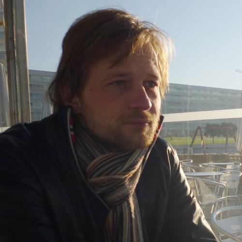 macg01's avatar