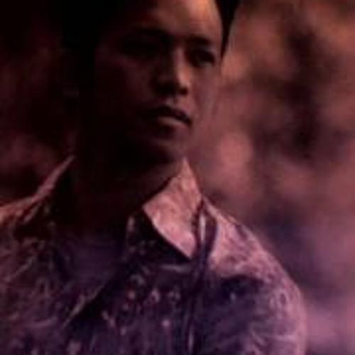 Vonn Trinidad-Abueg's avatar