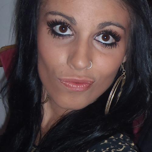 Lucyyy <3's avatar