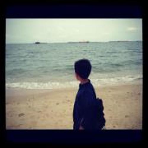 AaronRazer Chong's avatar