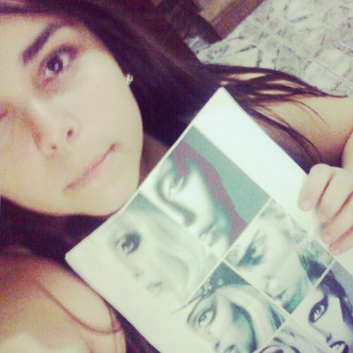 Lorena Paz 3's avatar