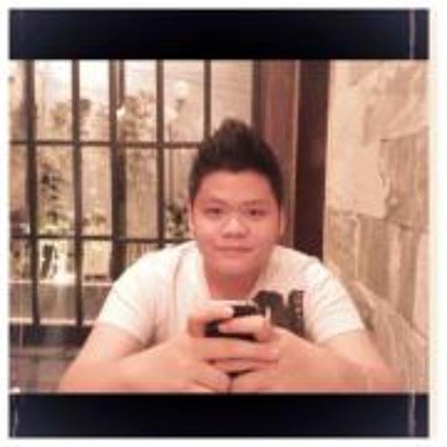 Michael Nguyen 45's avatar