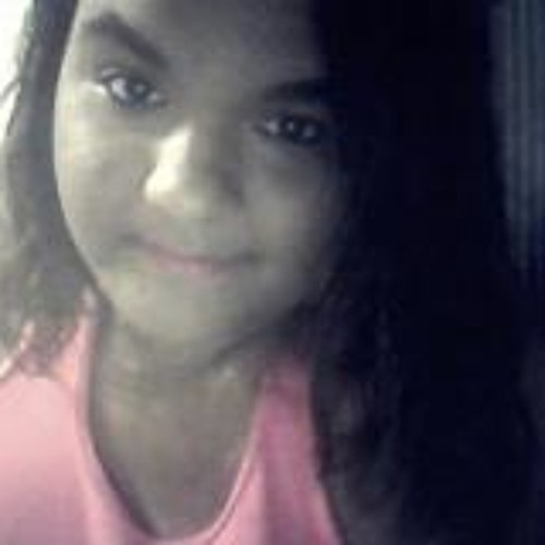 Victória Reeve's avatar