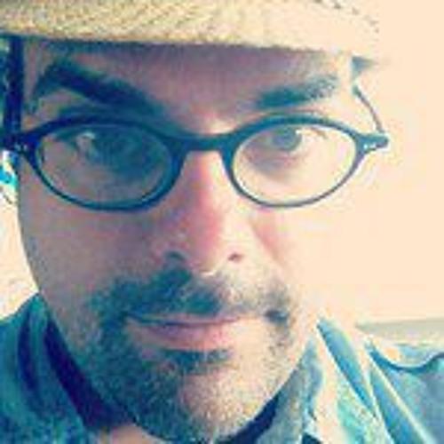 Luis Trelles's avatar