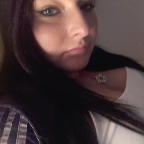 Adrianna_Q's avatar