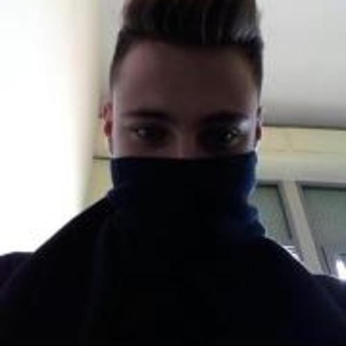 Lukas De Lucia's avatar