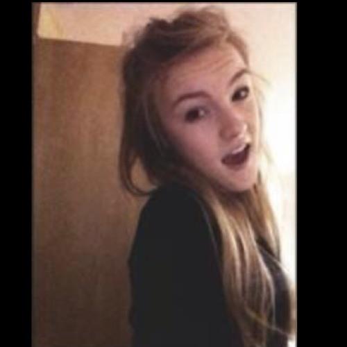chloe_farwell's avatar