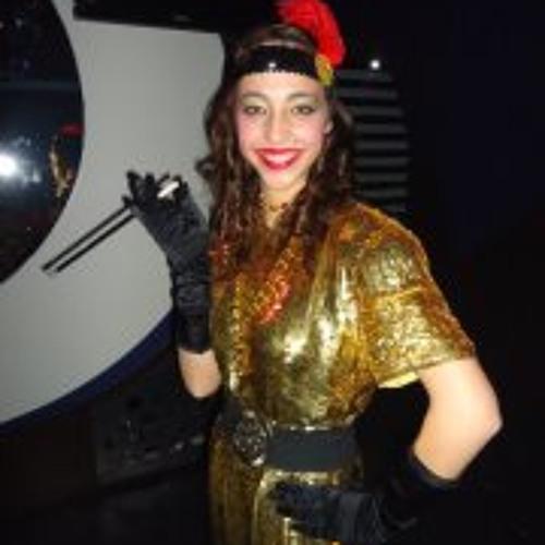 Ana Goulart 2's avatar
